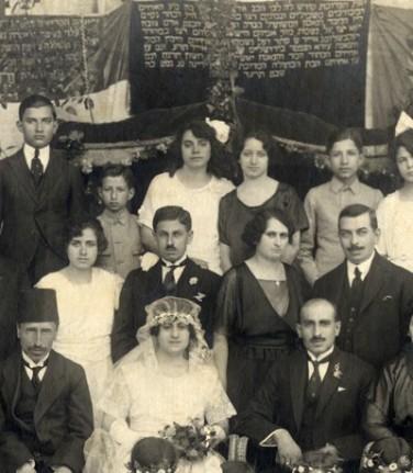 A Jewish wedding in Aleppo, Syria in 1914.jpg